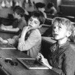 Controversele școlii din spatele ușilor închise