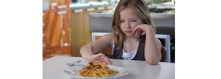 un copil nu voia să mănânce